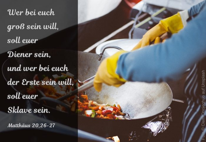 Person am Kochen