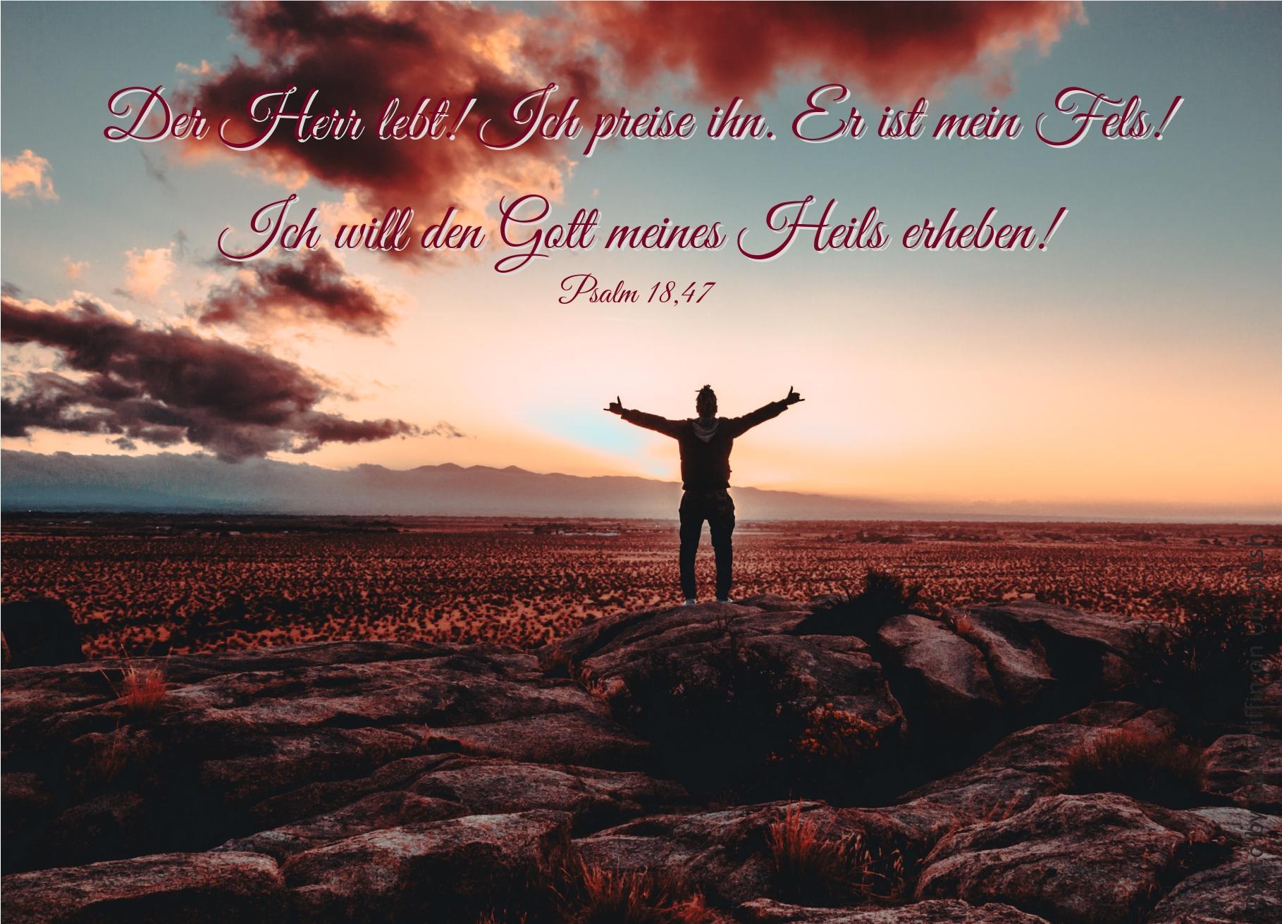 """alt=""""silhouette_eines_mannes_auf_felsen_vor_blauem_himmel_mit_roten_wolken_erwartet_bibelhoerbuch_einzug_in_jerusalem"""""""