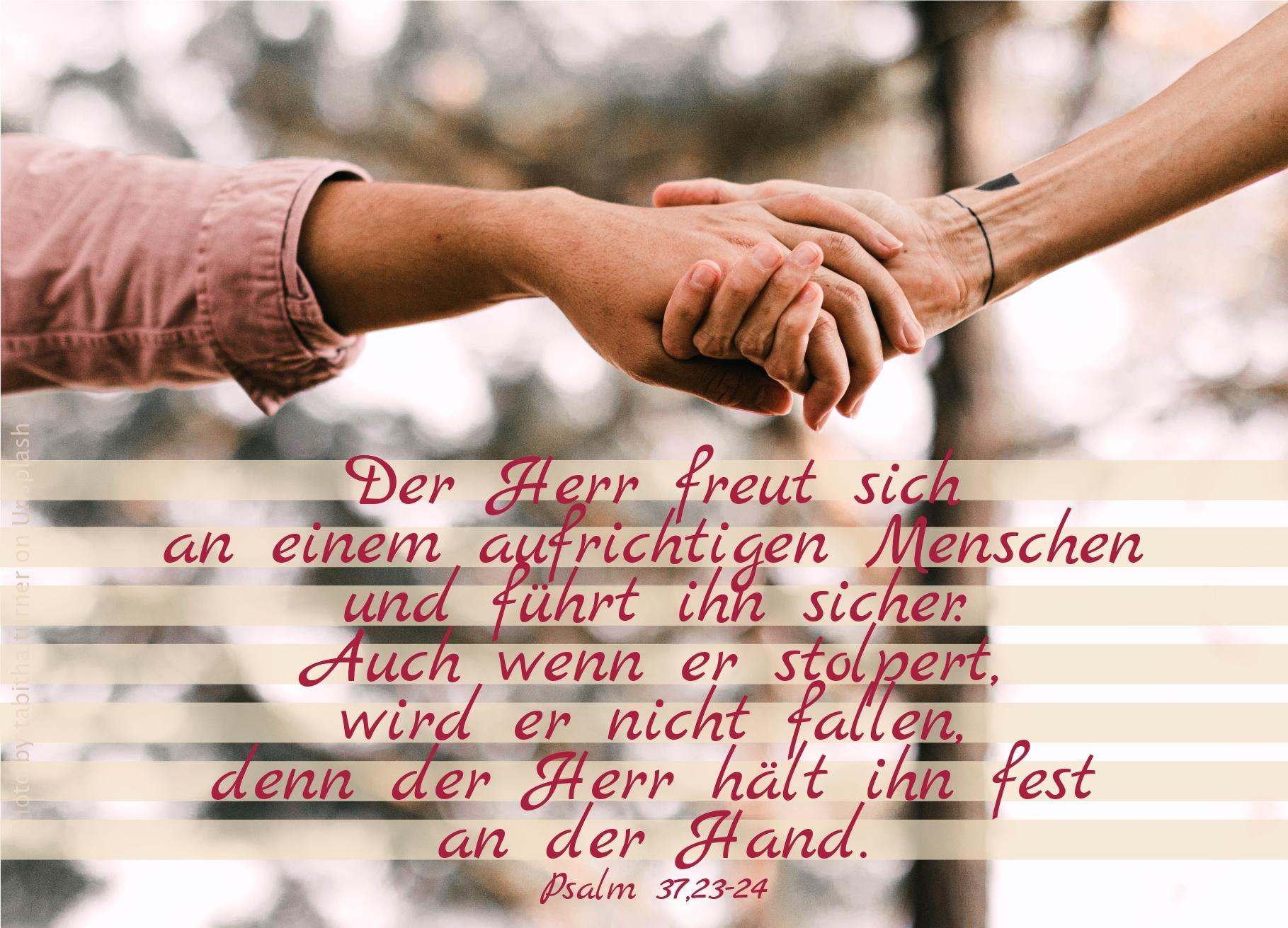 """alt=""""zwei_personen_halten_sich_an_der_hand_erwartet_bibelhoerbuch_jesus_und_die_daemonen"""""""