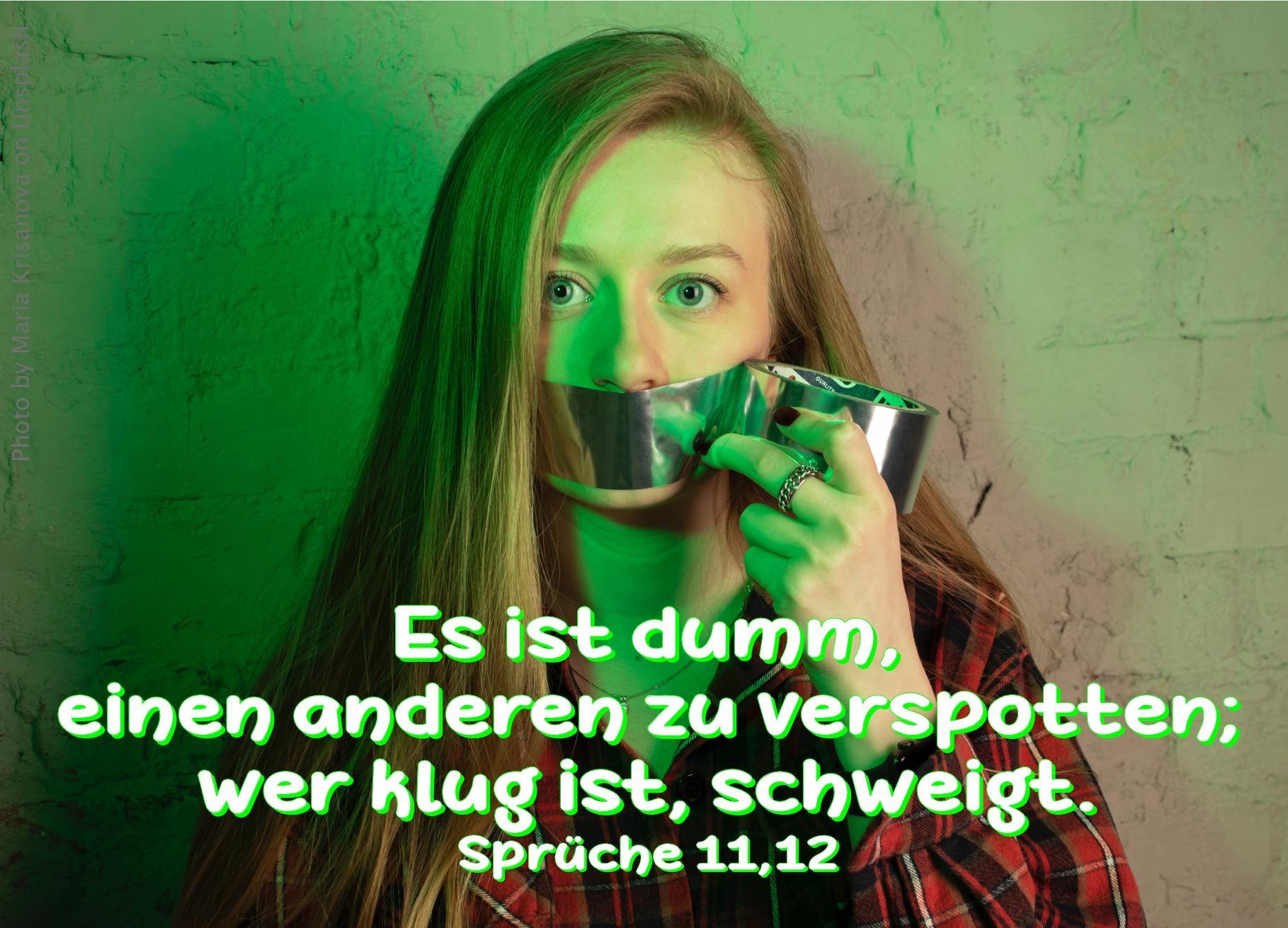 """alt=""""Frau_mit_zugeklebtem_Mund_erwartet_bibelhoerbuch_Bileam"""""""