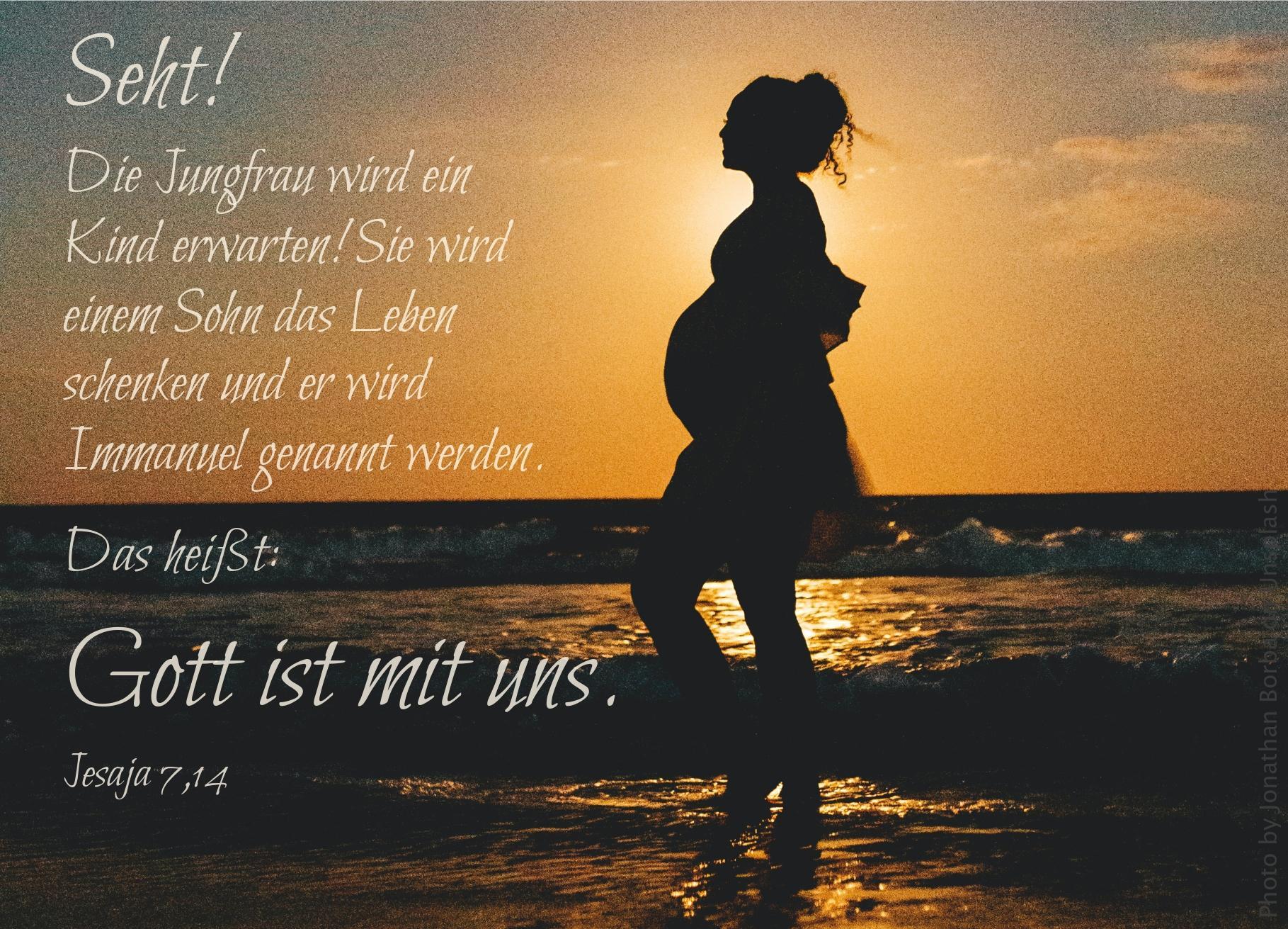 "alt=""schwangere_frau_am_meer_erwartet_bibelhoerbuch_jesajas_berufung"""