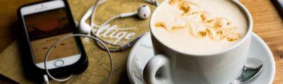 Handy und Kaffee, Foto von Juja Han auf Unsplash