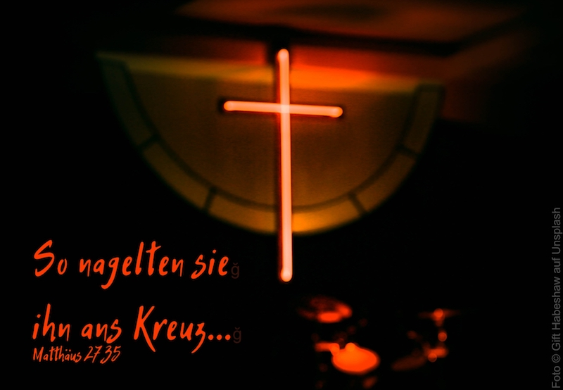 rot angestrahltes Kreuz