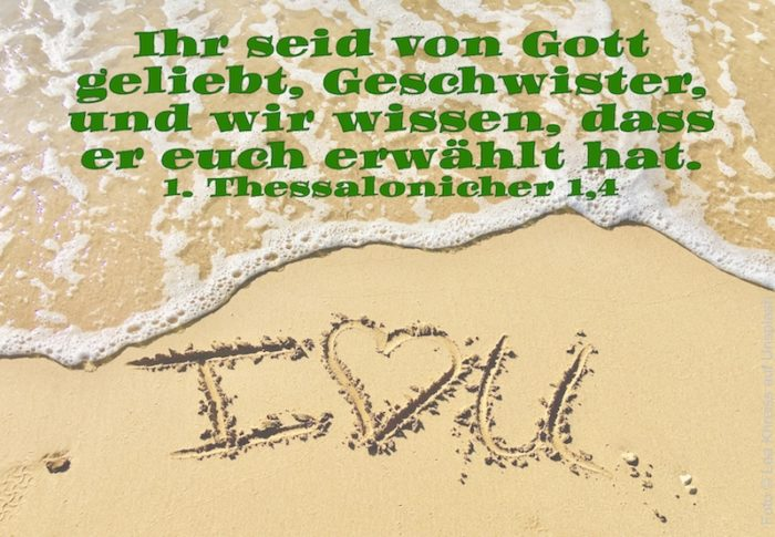 I love you in den Sand geschrieben