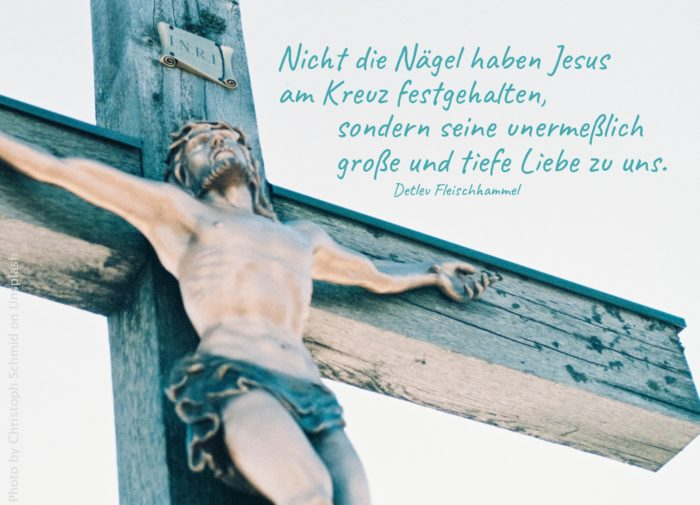 Holzschnitt in Farbe: Jesus am Kreuz