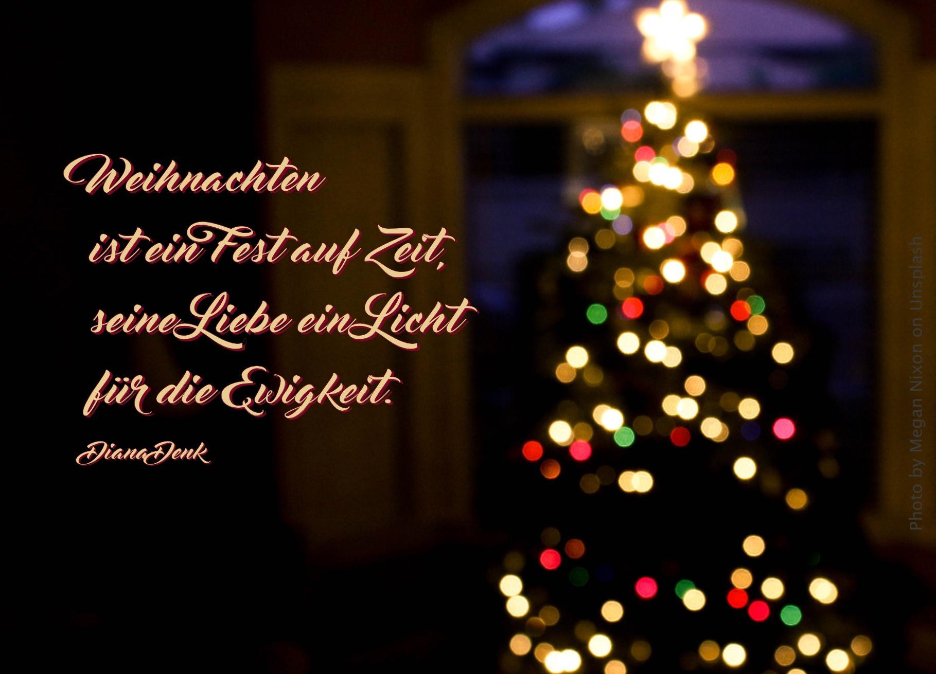 """alt=""""bunt_leuchtender_weihnachtsbaum_erwartet_bibehoerbuch_gott_rettet_sein_volk"""""""