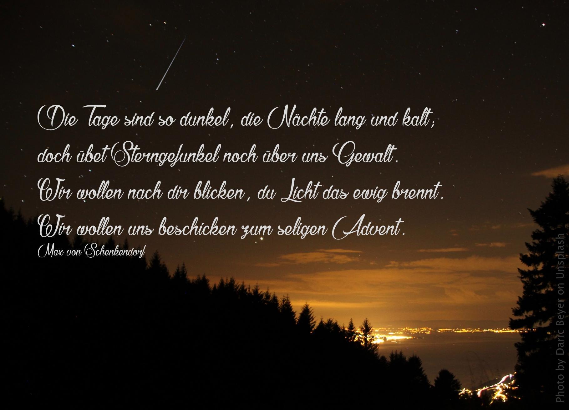 """alt=""""dunkler_sternenhimmel_ueber_erleuchteter_stadt_erwartet_bibehoerbuch_obadja"""""""