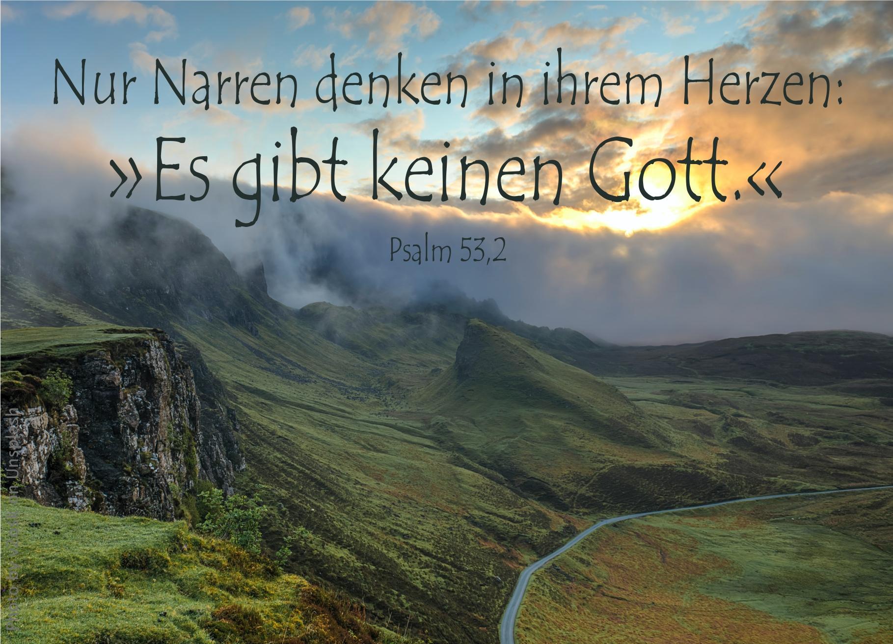 """alt=""""grüne_hügellandschaft_erwartet_bibelhoerbuch_das_volk_rebelliert"""""""
