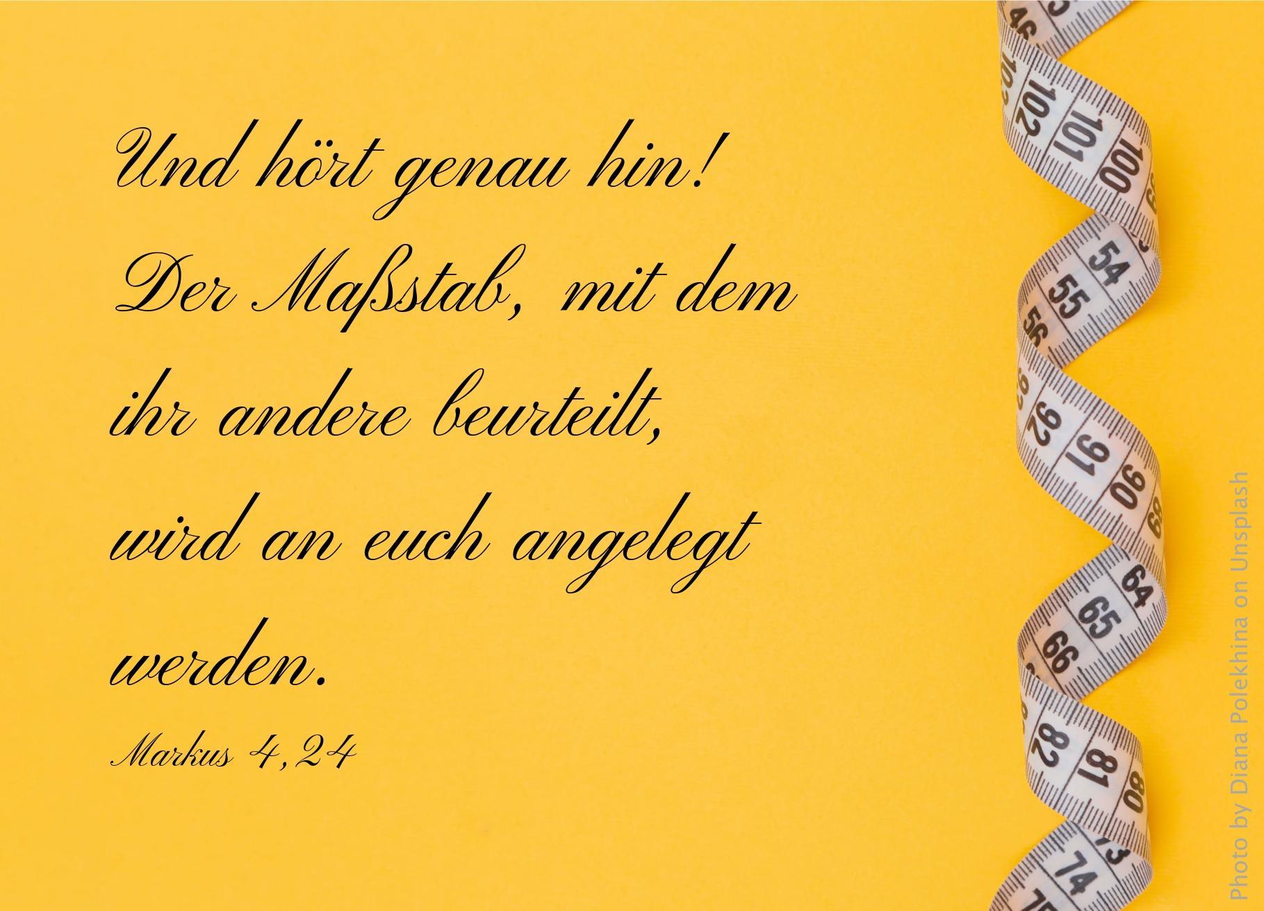 """alt=""""Massband_auf_gelber_Flaeche_erwartet_bibelhoerbuch_Israels_Wanderung_durch_die_Wueste"""""""