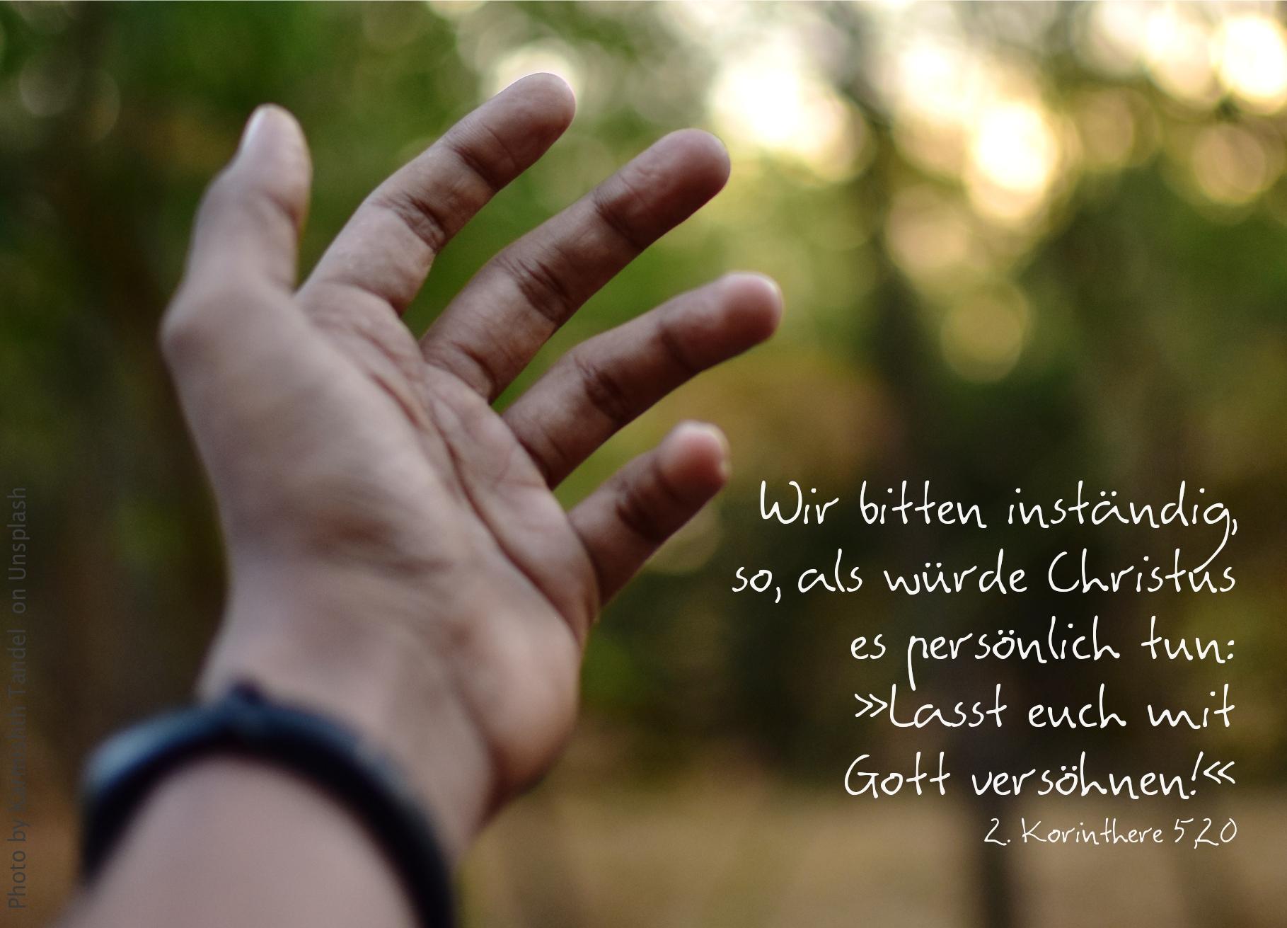 """alt=""""ausgestreckte_hand_erwartet_bibelhoerbuch_gottes_botschafter"""""""