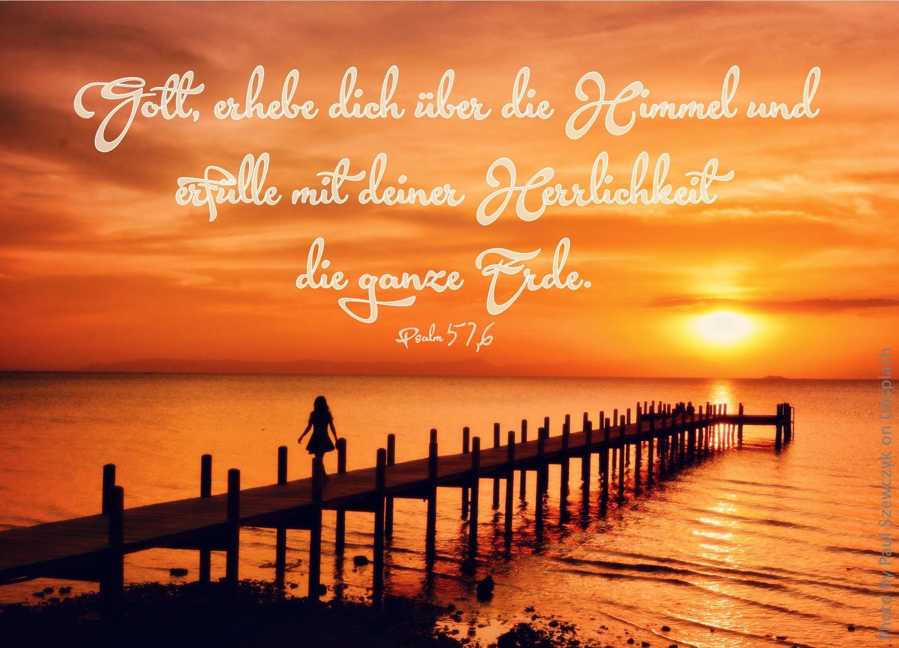 """alt=""""steg_ins_meer_bei_rotem_sonnenuntergang_erwartet_bibelhoerbuch_kraft_des_geistes"""""""