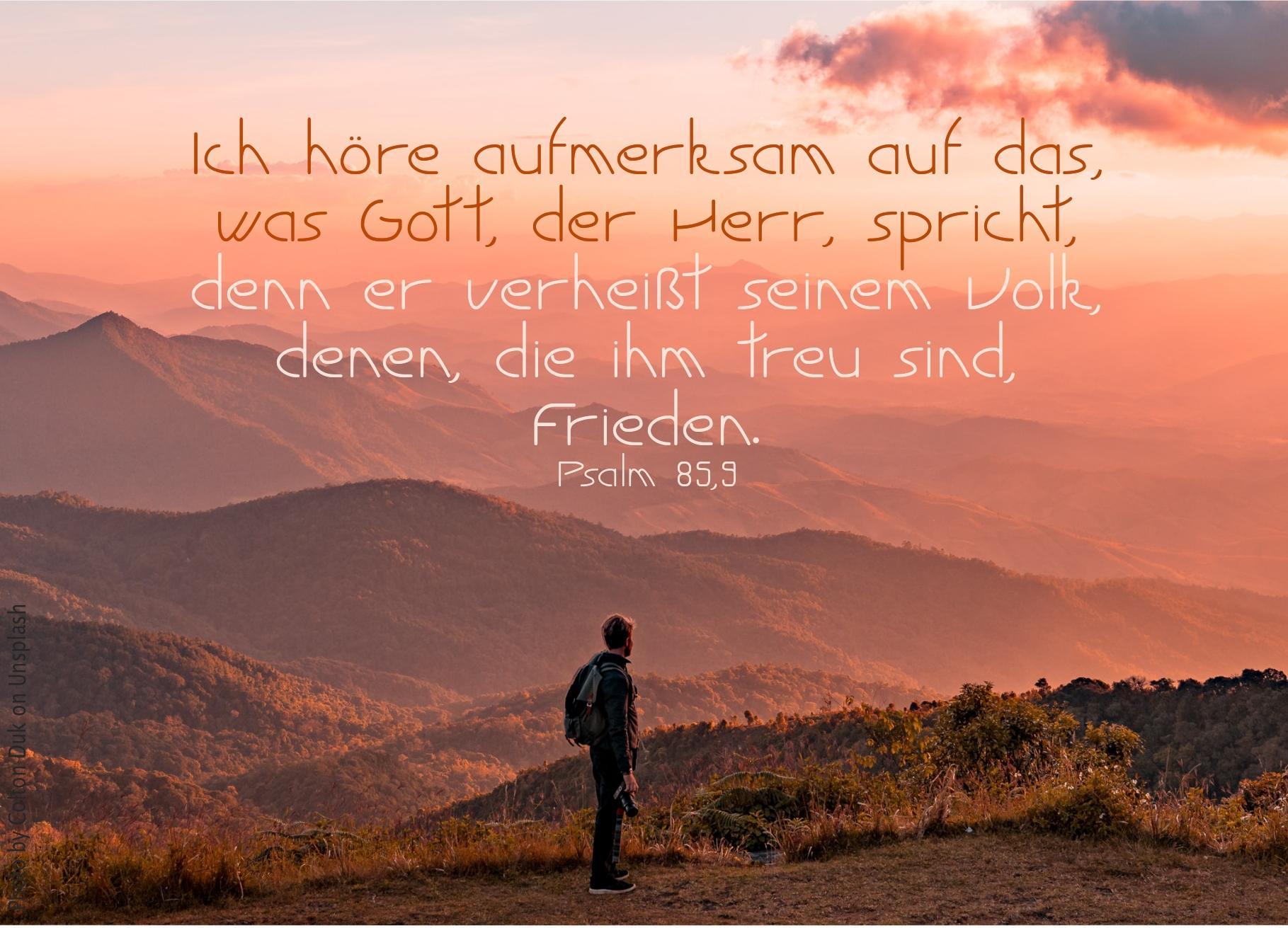 "alt=""berglandschaft_im_morgenrot_erwartet_bibelhoerbuch_jeremia_entkommt_dem_tod"""
